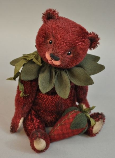 *this bear, named 'Strawberry', from Loriann Corelis, is in my collection, she is from 2012! Ani* The Spotted Hare