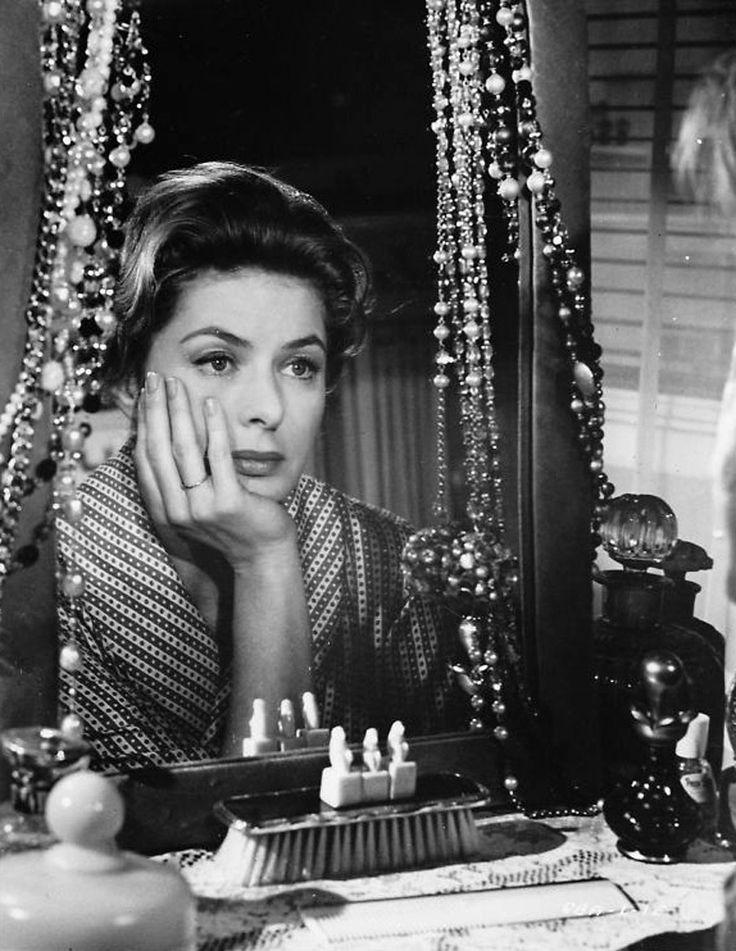 "Ingrid Bergman en ""No me digas adiós"" (Goodbye again), 1961."