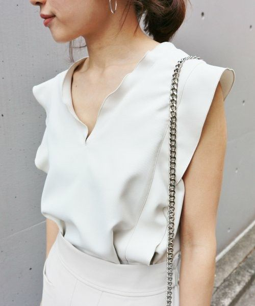 【ZOZOTOWN 送料無料】IENA(イエナ)のシャツ/ブラウス「《予約》ライトWクロス フリルノースリーブブラウス◆」(17051900806020)を購入できます。