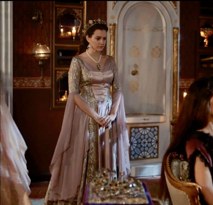 """Ayşe Sultan - Magnificent Century: Kösem - """"Traitors are everywhere! (Hainler her yerde!)"""" Season 2, Episode 3 (33)"""