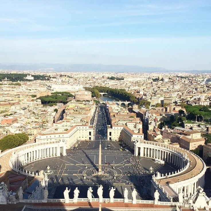 Cidade do Vaticano vista da cúpula da Basílica de San Pietro!!! A subida é sofrida mas valeu a pena cada agonia q passamos!!!  #lindo #amazing #vaticano #vaticancity #rome #blessed #maisumsonhorealizado #instahappy #loveit #valeuapena #whataview #roma #europe #iphone #iphoneonly #iphonesia #vacation #travel #bestoftheday #makingmemories by sabrinafisi
