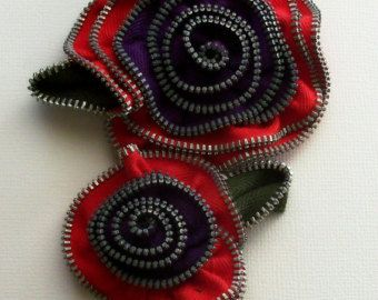 Bright Red and Purple více květinový Brož / Zipper Pin cca 4 in, 10 cm - 2272