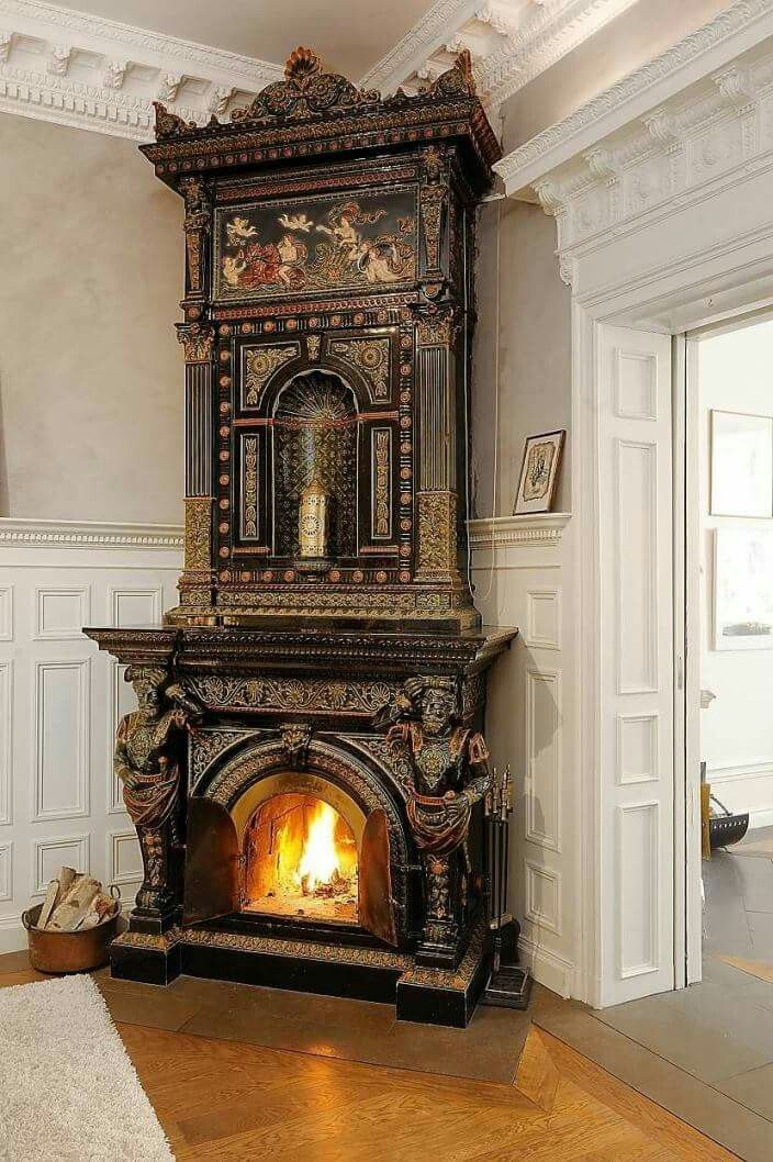 Kakelugn In Stockholm These Types Of Fireplaces Called Kakelugn In Swedish Are Very Common In Old Swedish Victorian Homes Victorian Fireplace Gothic House