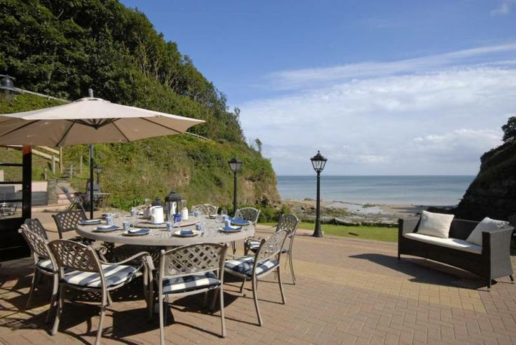 Self catering Saundersfoot Large house on the beach - terrace with sea views