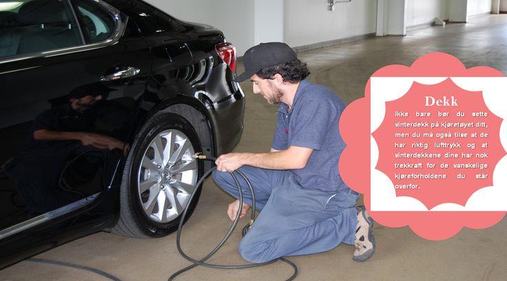 Dekk-trykk Har du noen gang lagt merke til at dekktrykk-lyset på bilen din noen ganger slår seg på i vintermånedene? Eller kanskje du har lagt merke til at bilen din rett og slett ikke gir det samme drivstofforbruket som vanligvis? Dekk med lavt dekk-trykk kan redusere drivstofforbruket og er vanligvis mer utsatt for skader (punkteringer, dekk-eksplosjoner, etc.). Sjekk trykket i dekkene dine for å være sikker på at det kalde været ikke har redusert trykket. #vinterdekkene