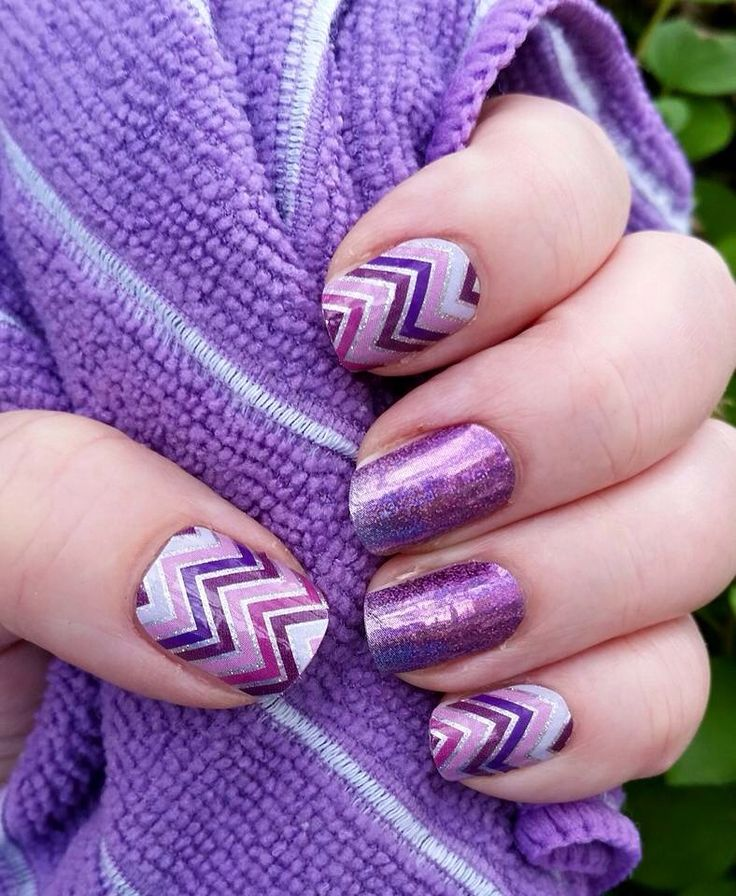 Purple sparkle manicure with chevron accents using Happily Ever After and July StyleBox exclusive Jamberry wraps - the holographic isn't available but Fizzy Grape would be good instead!