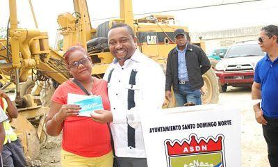 Alcalde René Polanco premia y dispone aumento de sueldo a madres trabajan en ayuntamiento SDN