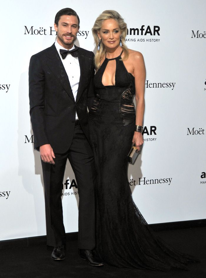 Sharon Stone 54 years old looks great with 27 year old boyfriend.