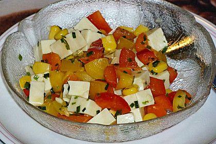 Käsesalat mit Mais und Paprika