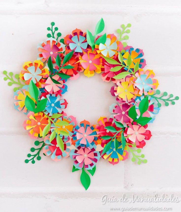 Corona A Todo Color Con Flores De Papel Veranlane14 Paper Flower Wreaths Paper Flowers Craft Paper Flowers