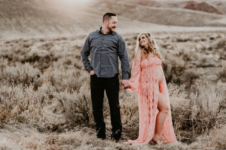 Boise Maternity Photographer Makayla Madden Photography // Maternity Dress // Mother hood // Expecting // Maternity Photographer // Maternity Photo Session Ideas and Inspiration // Blush Pink Sew Trendy Accessories Lace Gown // Boho Maternity Dress //