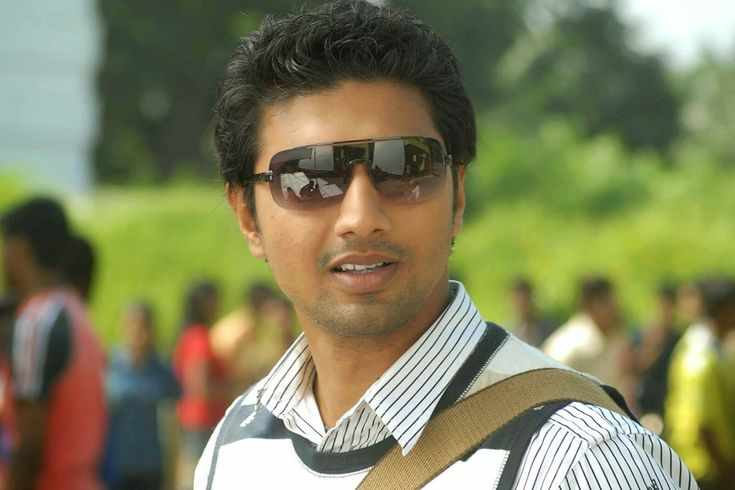Actor Dev Height, Weight, Age, Wife, Girlfriends, Bio, Family & Wiki
