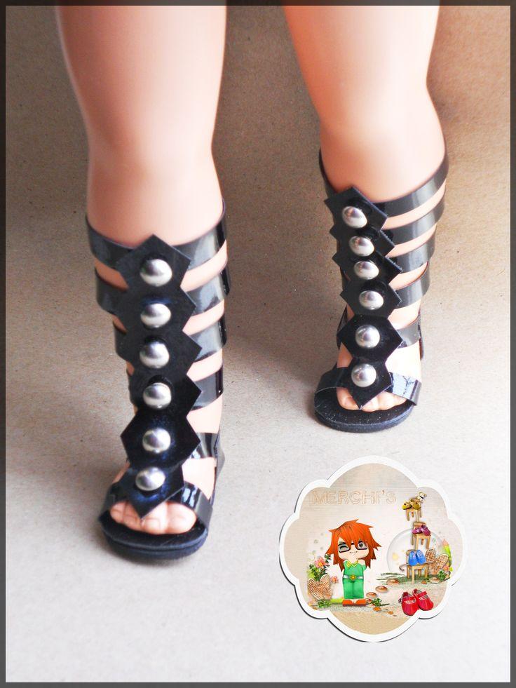 Modelo sandalia Romana alta