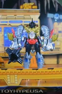 #SDCC2014 Exclusive Hasbro #Transformers Dinobots Set With Pop-Up Headquarters Review http://www.toyhypeusa.com/2014/08/10/sdcc-2014-exclusive-transformers-dinobots-set-with-pop-up-headquarters-review/ #TransformersAgeOfExtinction #Transformers4 #Hasbro #SDCC