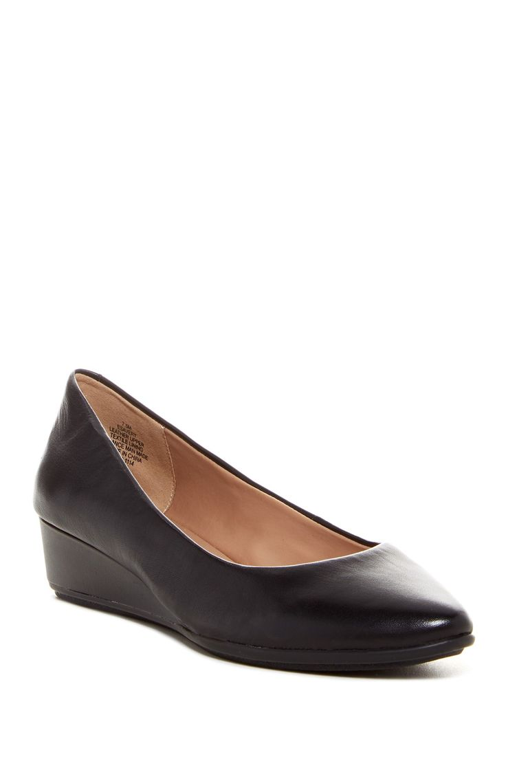 Avery Wedge Pump - Wide Width Available