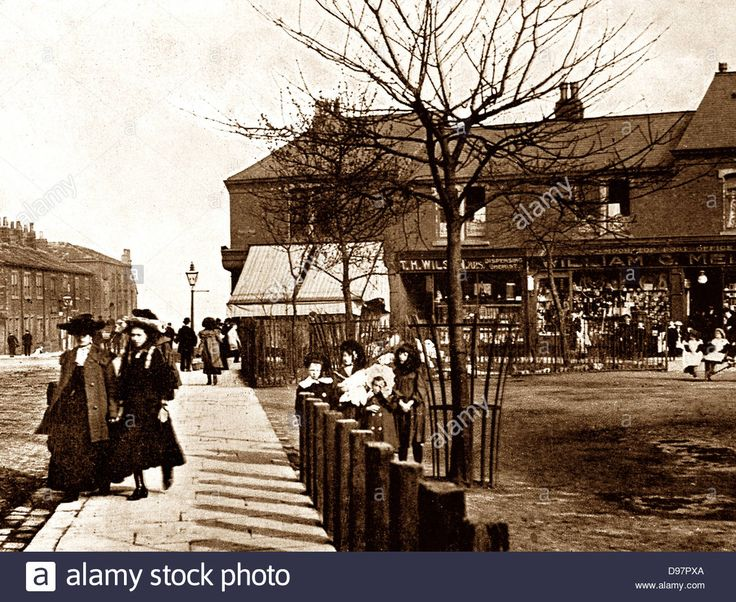 Download this stock image: Armley Moor Top early 1900s - D97PXA from Alamy's library of millions of high resolution stock photos, illustrations and vectors.