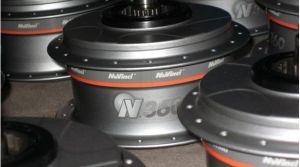 Der taiwanesische Hersteller TranzX, bekannt für E-Bike-Antriebssysteme und Fahrradkomponenten, stellt jetzt auf der Taipei Cycle Show zweiInnovationenvor. Die neuen Antriebe– ein Frontmotor und ein Mittelmotor –sind für Pedelec-Einsteigermodelle vorgesehen. Der TranzX-M16-Mittelmotor soll ein gleichmäßiges Fahrverhalten ermöglichen, das vom integrierten RPM-Sensor und Controller zusätzlich unterstützt wird. Der neue Antrieb hat einDrehmoment von 20Nm oder50Nm – je …