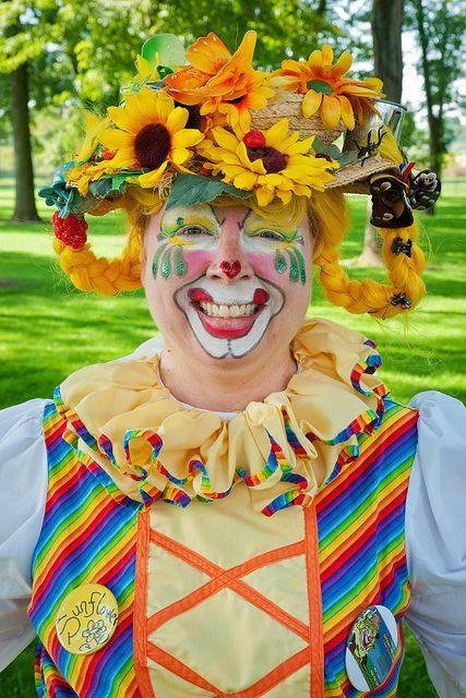 More information about Sheri (Sunflower the Clown) and Art With a Heart can be found at the following links:  www.sunflowertheclown.com www.artwithaheart.ca
