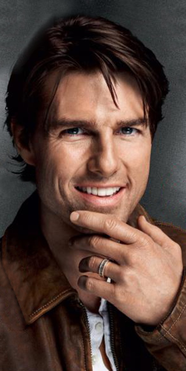 Tom Cruise as Carter Blakelee [Born: October 18, 1960] {age: 56} (Elizabeth's husband, Will's father, Gabrielle's grandfather)