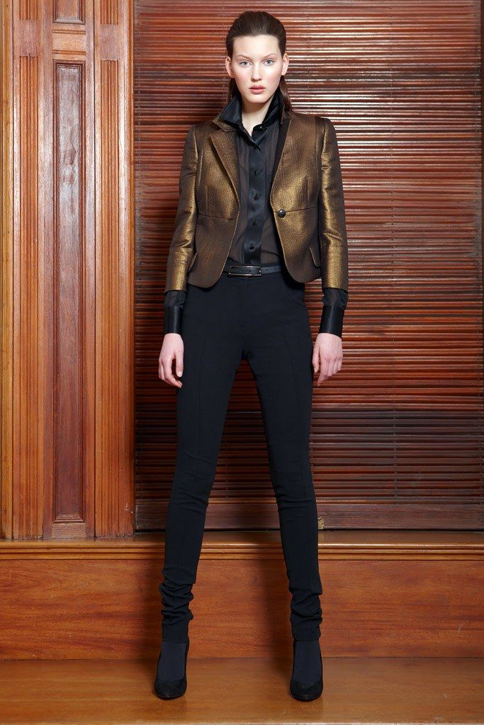 Akris Pre-Fall 2010 Fashion Show - Veroniek Gielkens