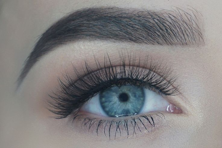 Don't want anyone to know you're wearing falsies? Or maybe you just aren't into the full on voluminous look just yet? Whatever it may be our silk lashes in Lala won't let you down! Our lashes in Lala are the best  in the market for everyday wear and also can be a perfect pair to pick up for anyone who is new to the lash game.