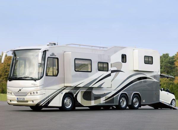 42fbfbb8a2ee496a8663f04c2e515a40--luxury-motorhomes-rv-bus.jpg