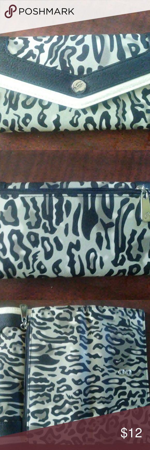 NWOT.   Grace Adele wallet animal print ! 10 Slots for cards outside zip pocket.  OBRO Grace Adele Bags Wallets