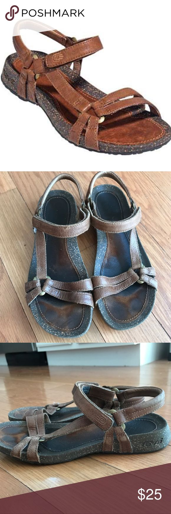 Ladies Leather Teva Sandals Ladies genuine leather Teva sandals size 8. Super comfortable but my post pregnancy feet don't fit in them now. These are well loved with lots of miles left. Originally purchased from Nordstrom. Offers considered. Teva Shoes Sandals