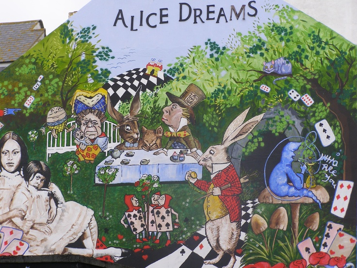 Brighton - Alice in Wonderland wall