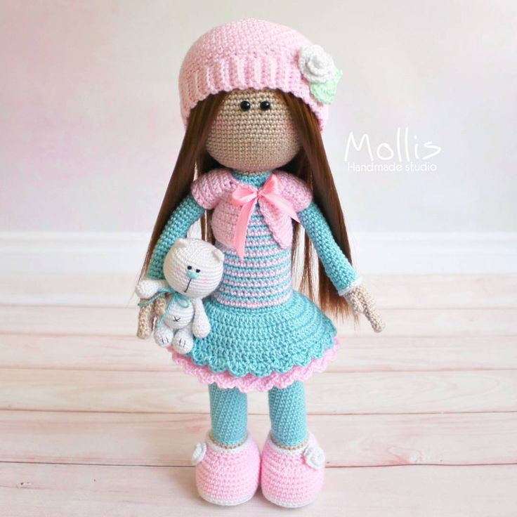 А вот и та самая куколка ❤  И мишанька при ней   Ростик куколки - 28 см.  Связано на заказ
