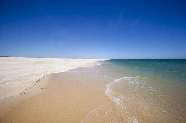 Algarve, Ilha da Culatra {da fotogaleria de Enric Vives-Rubio @ http://fugas.publico.pt/Fotogaleria/291262_as-ilhas-do-algarve}