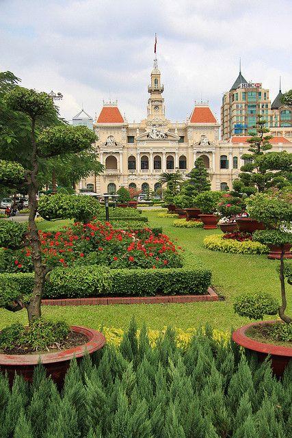 City Hall, Ho Chi Minh City, Vietnam http://viaggi.asiatica.com/