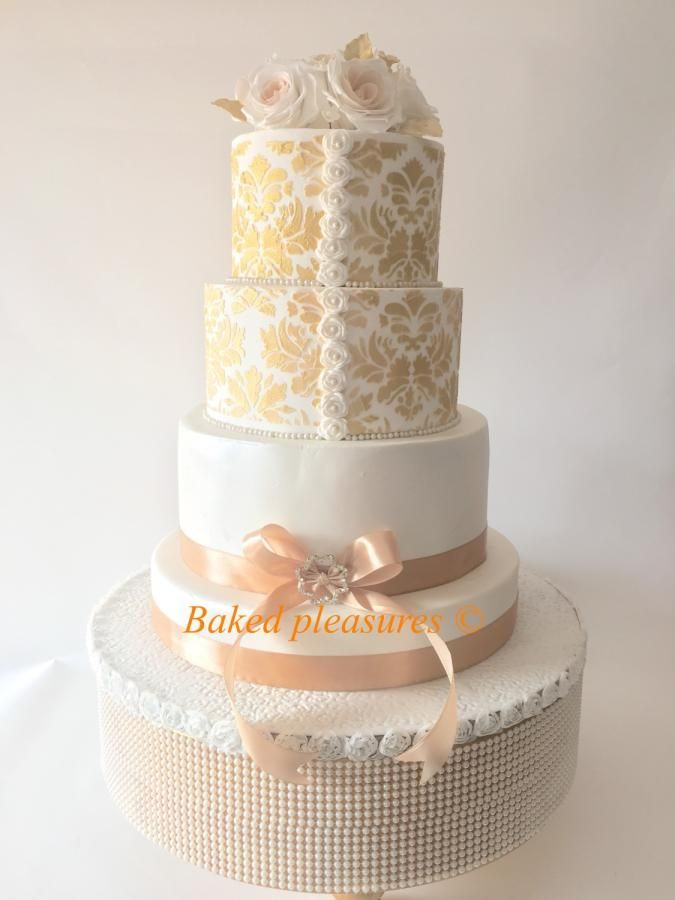 Gold beauty by Bakedpleasures - http://cakesdecor.com/cakes/295194-gold-beauty