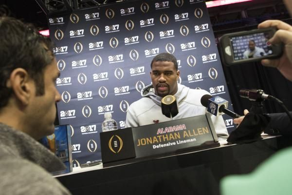 The Sports Xchange Alabama defensive end Jonathan Allen capped his collection of college football awards Saturday by being named winner of…