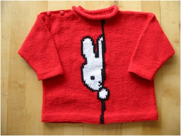 Peekaboo Rabbit intarsia sweater pattern