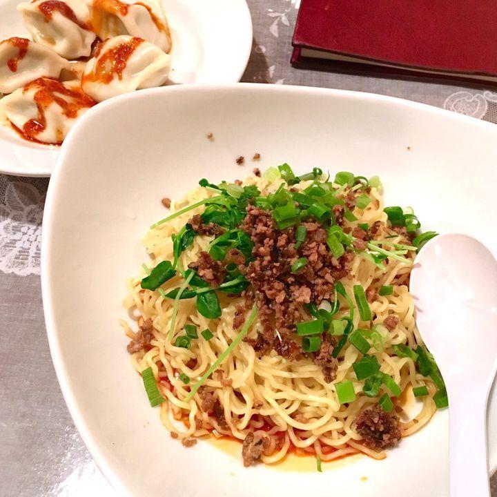"""いくらでも食べたくなる絶品グルメ""""餃子""""。今回はそんな餃子を中華料理と一緒に美味しく、かつ安くコスパ最強に味わえるお店をご紹介します。これでもう新宿ランチは迷わない!"""