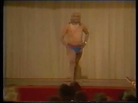B.K.S. Iyengar - Yoga Demonstration, Sydney, 1983. --- Joga - YouTube