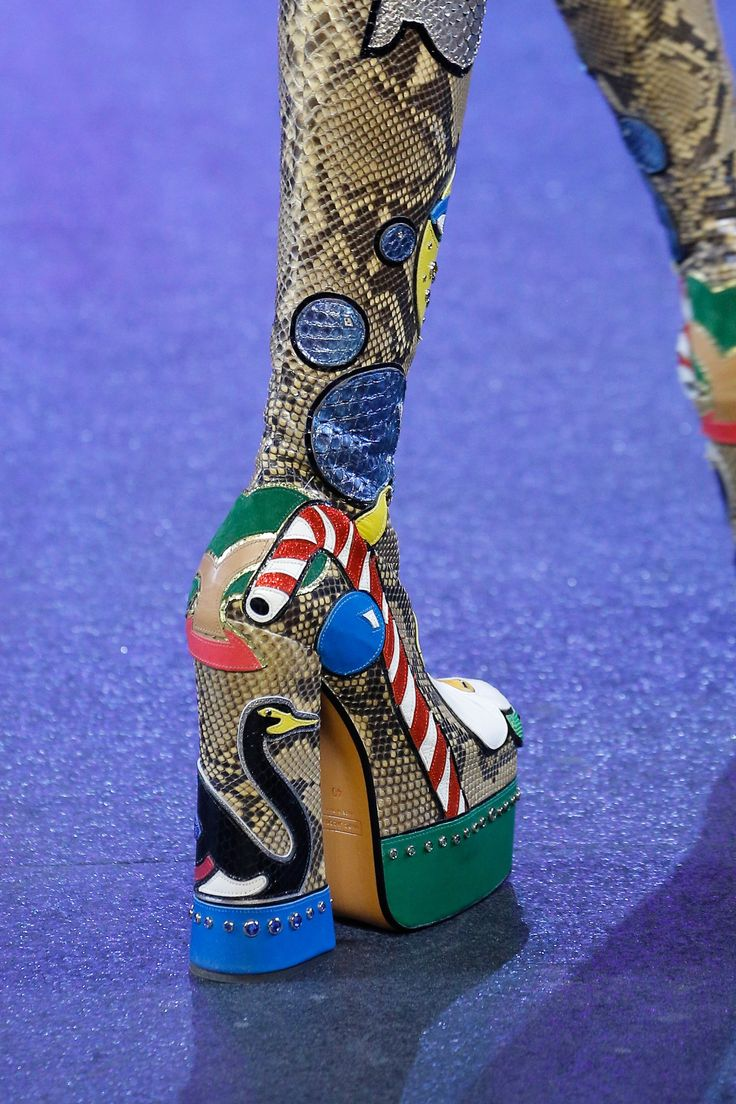 Marc Jacobs Spring 2017 Ready-to-Wear Fashion Show Details