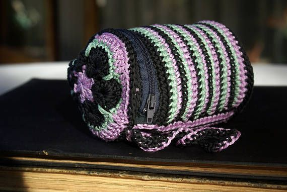 Cosmetic Bag Crochet Case Striped Wristlet Zipper Pouch