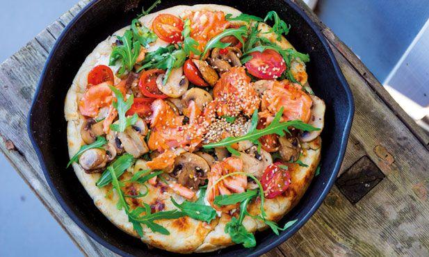 Pizza de salmão grelhado