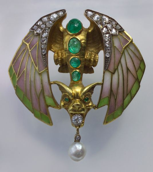 PHILLIPE WOLFERS 1858-1929 Attrib.  Superb Symbolist Chimera Brooch  Gold Plique-à-jour Emerald Diamond Pearl