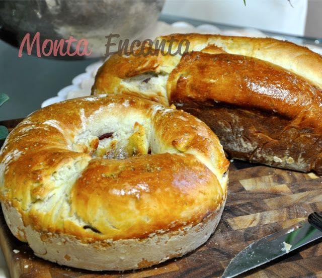 Tortano Pão de Linguiça, da pizzaria braz camada crocante por fora, gostinho de azeite na massa, calabresa sequinha, juro uma sacanagem!