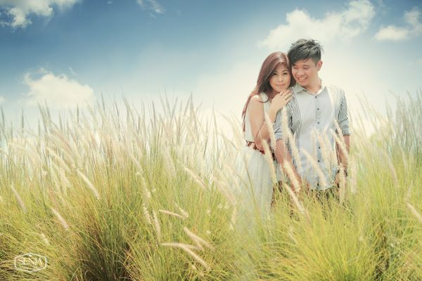 Taking landscape a wild thatch background makes you special prewedding... Info: 0896-6717-7776 / 0813-9219-8008