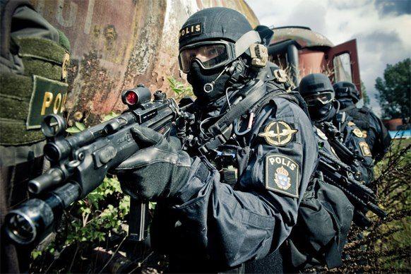 Men in Black........Swedish Police Service (Piketen)