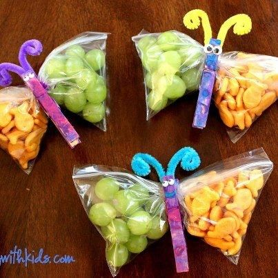 Butterfly snack packs for girl scout meetings.  How cute.
