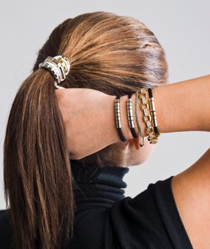 Pretty ponytail holder that's also a bracelet!: Chilly Jilly, Style, Bracelets, Hairs, Hair Band, Duelette, Hairband