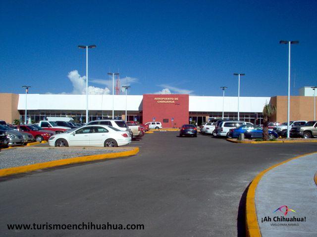 El Aeropuerto Internacional de Chihuahua, se localiza a 13 kilómetros de la ciudad y atiende tráfico nacional e internacional. Por su ubicación estratégica e infraestructura, es un centro de servicios logístico para empresas y negocios, gran parte de la actividad económica de la región se moviliza por este aeropuerto. Cuenta con todos los servicios que los usuarios requieren como: Estacionamiento, Renta de Autos, Cajeros Automáticos, Restaurantes, Servicios de Taxis y Tiendas…