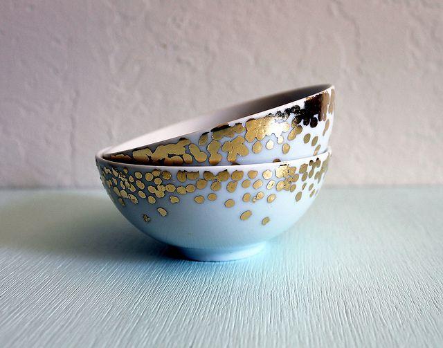 DIY - Gold leaf confetti bowls by Vitamini