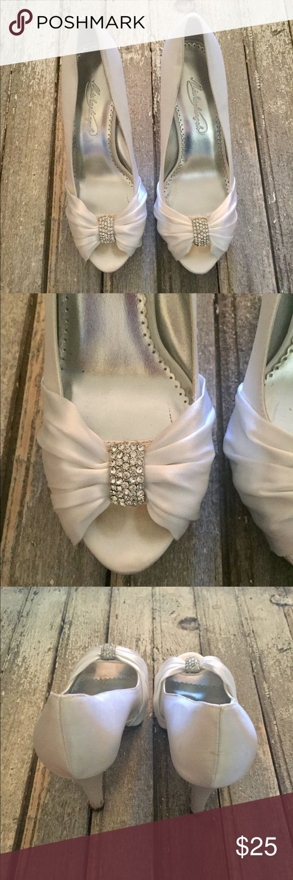 Mer Enn 25 Bra Ideer Om Davids Bridal Shoes Pa Pinterest