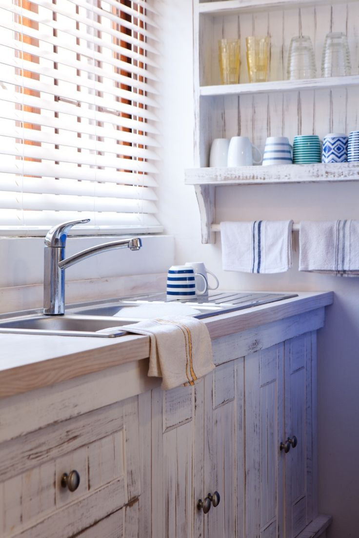 White AA unit with sink